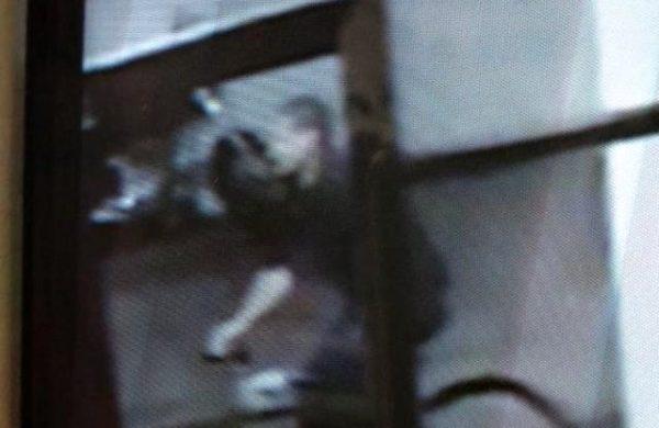 """El """"Loco de la bicicleta"""" era policía: detuvieron a un efectivo sospechado de apuñalar mujeres en La Plata"""