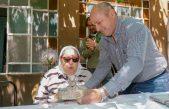 Hebe de Bonafini festejó sus 90 años en Ensenada junto a Mario Secco