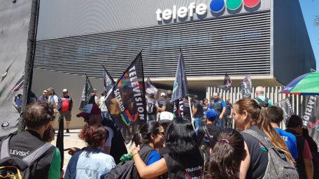 Despidos en Telefé: el canal levantó su programación y el Satsaid anunció nuevas medidas