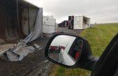 ¡Impactante! Un tornado volcó 4 camiones en la Ruta Nº3 entre Azul y Chillar