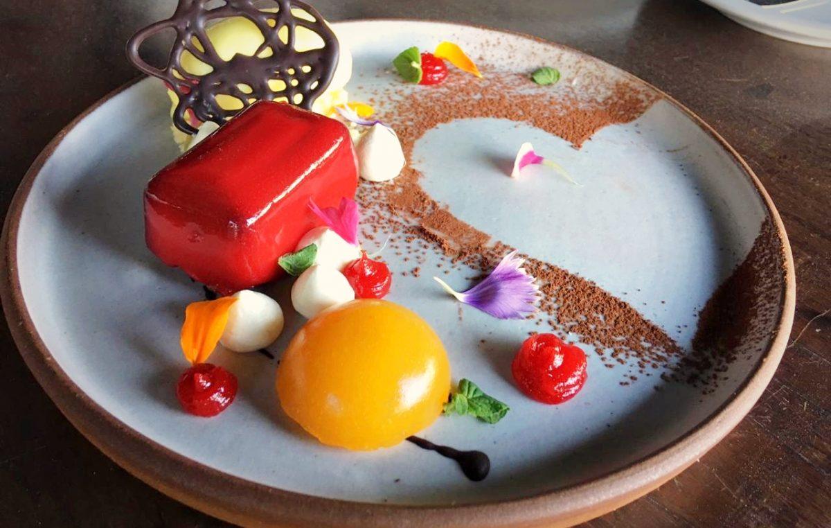 """El restaurante de Puerto Madero """"Cabañas Las Lilas"""" te invita a celebrar San Valentín con un menú especial"""