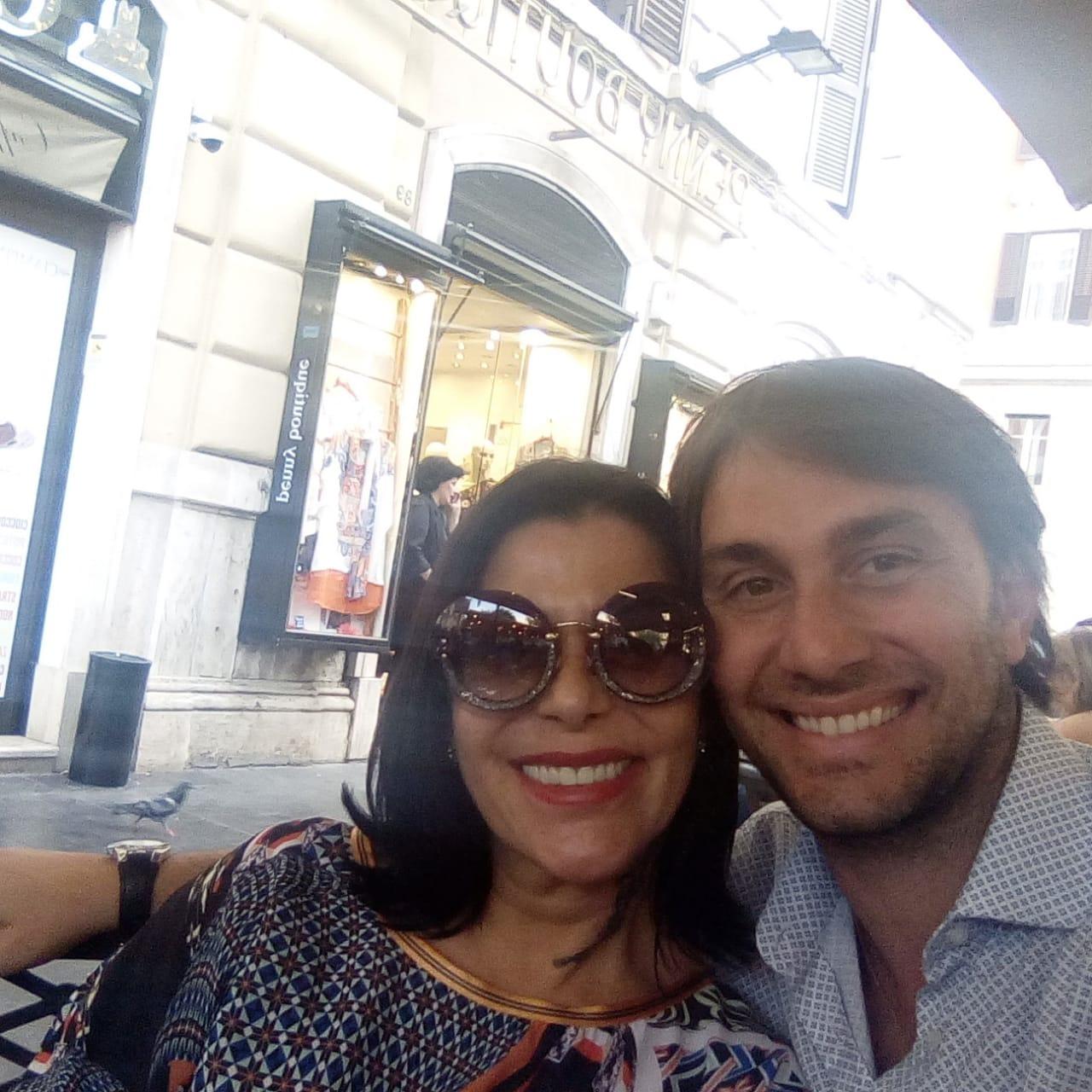 Odino y Alejandra Guzmán en uno de sus encuentros en Europa- Todo Provincial
