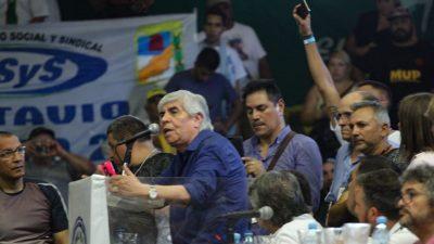 Acto del 21F en Ferro: Moyano apuntó contra Macri y apostó a la unidad rumbo a octubre
