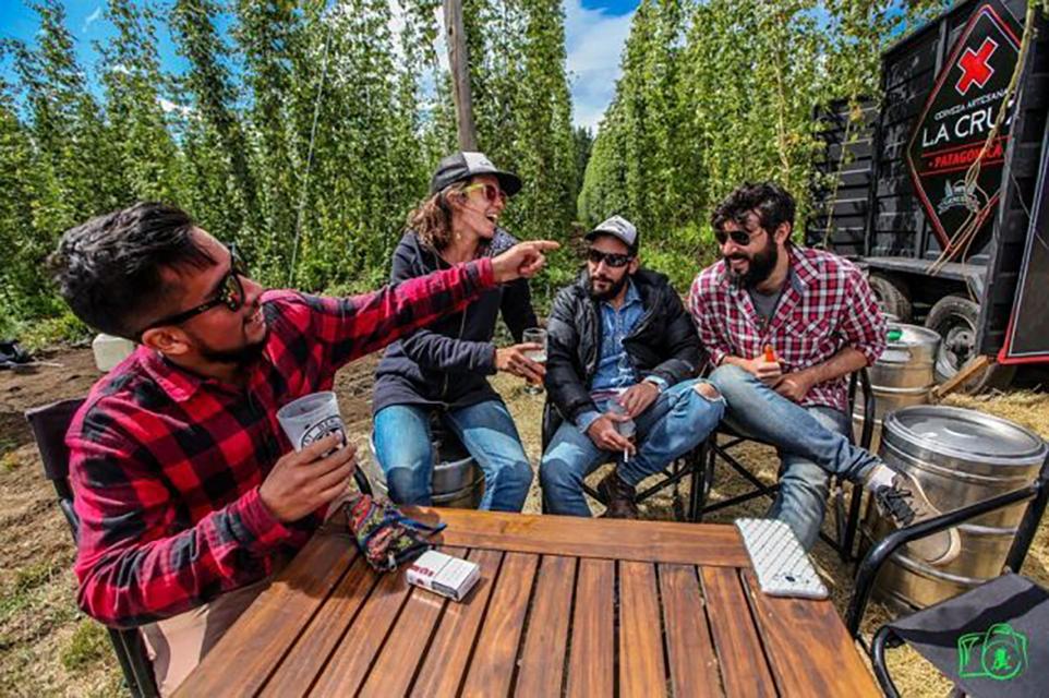 Cerveceros de todo el país se reunieron en El Bolsón para festejar el 3º Festival de Cosecha del Lúpulo