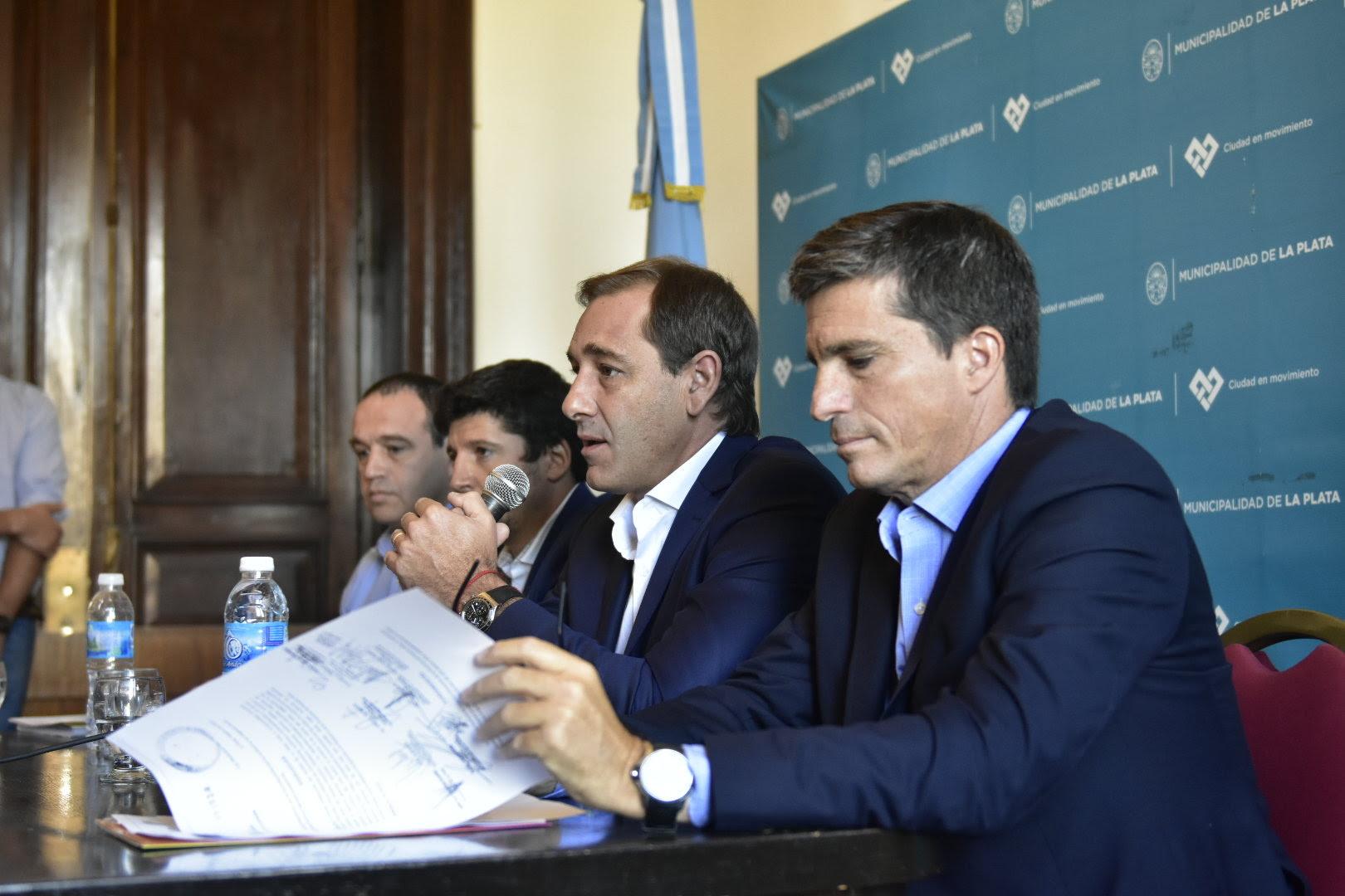 La Plata/ Garro hizo un balance sobre las obras en escuelas y pidió a los docentes iniciar las clases en fecha