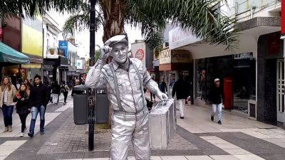 """Olavarría recibe a """"estatuas vivientes"""" de todo el país en un encuentro nacional"""