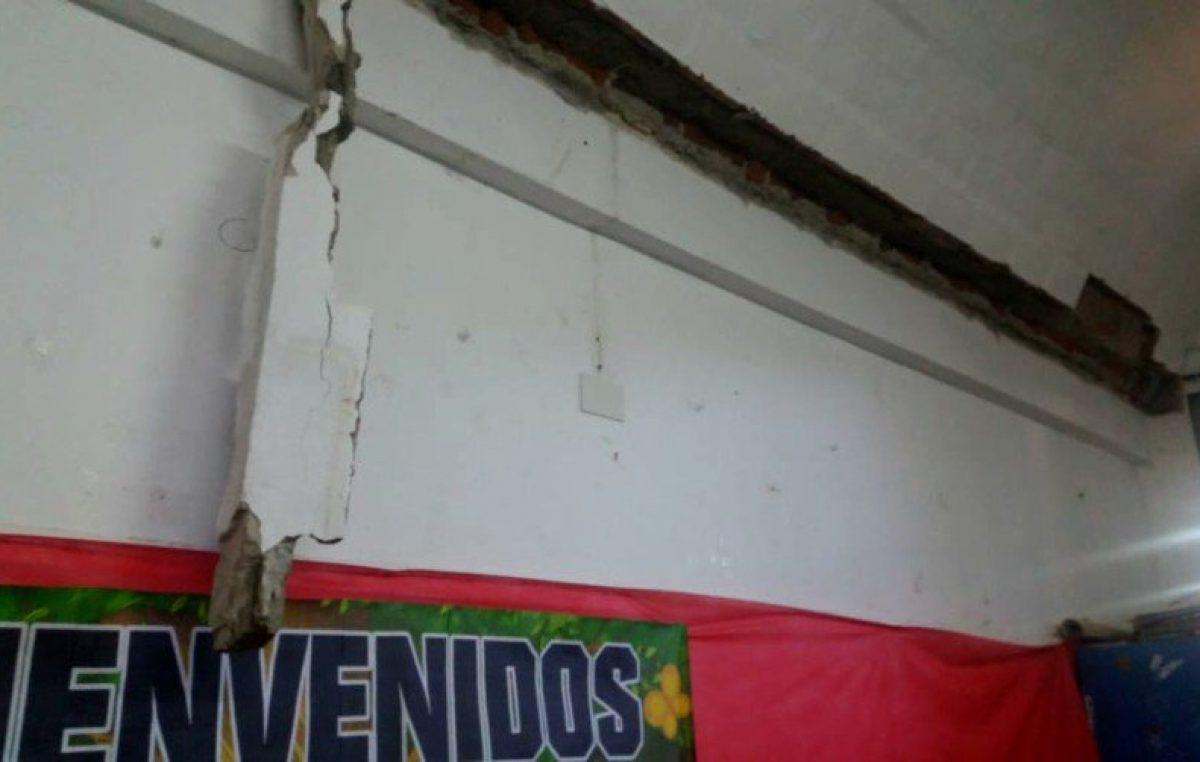 ¡Otra vez! Se cayó el techo de una escuela y dos alumnos están heridos