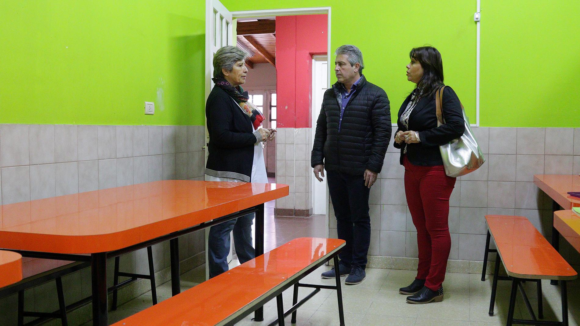 """Pergamino / Martínez recorrió escuelas que recibieron mejoras """"un compromiso"""" de la gestión"""