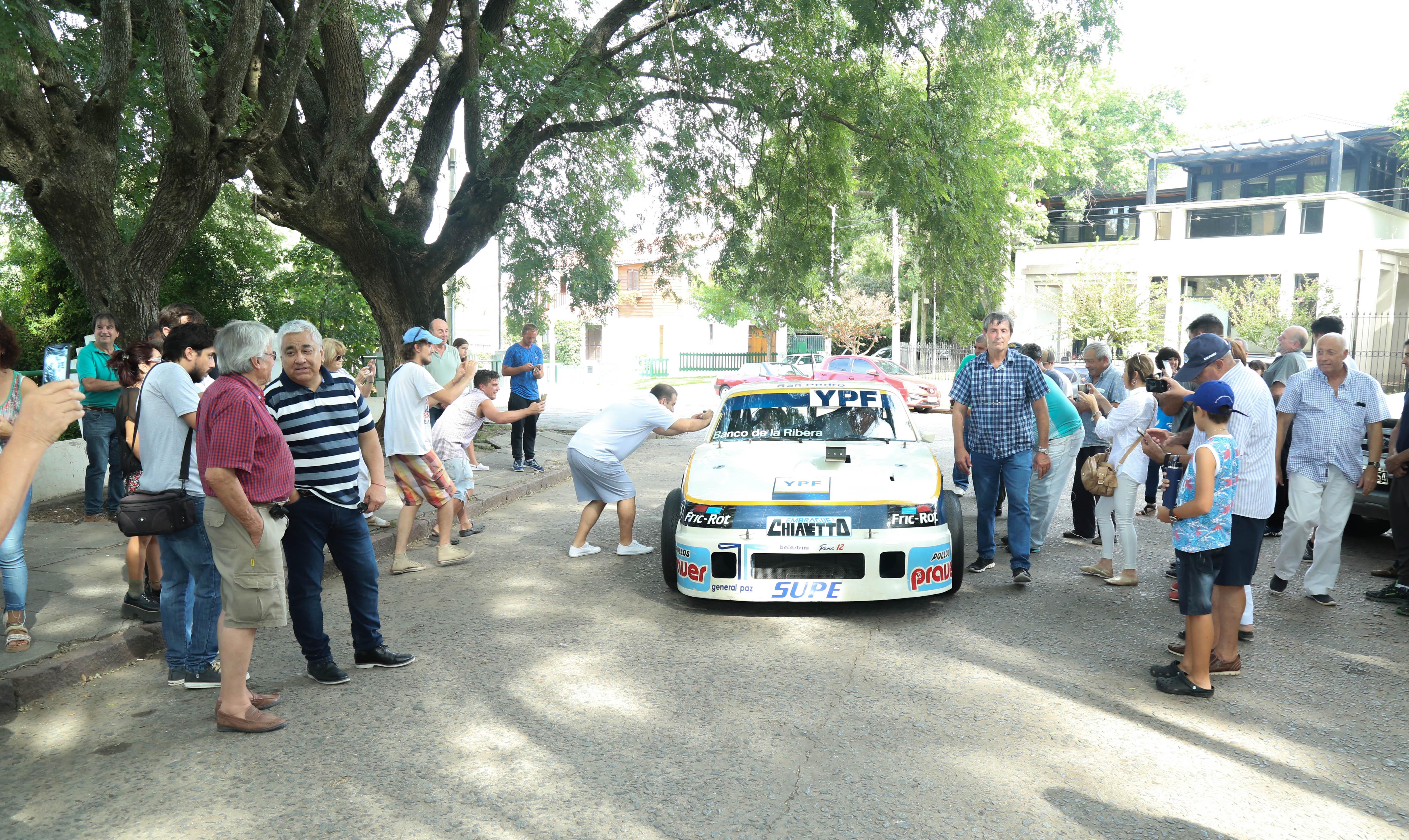 Homenaje al Pato Morresi en San Pedro