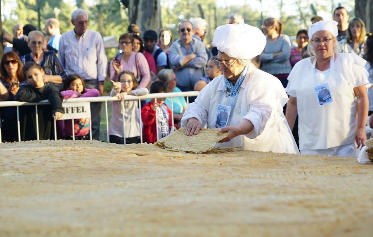 Con gran éxito comenzó la fiesta de la Torta Frita en Mercedes