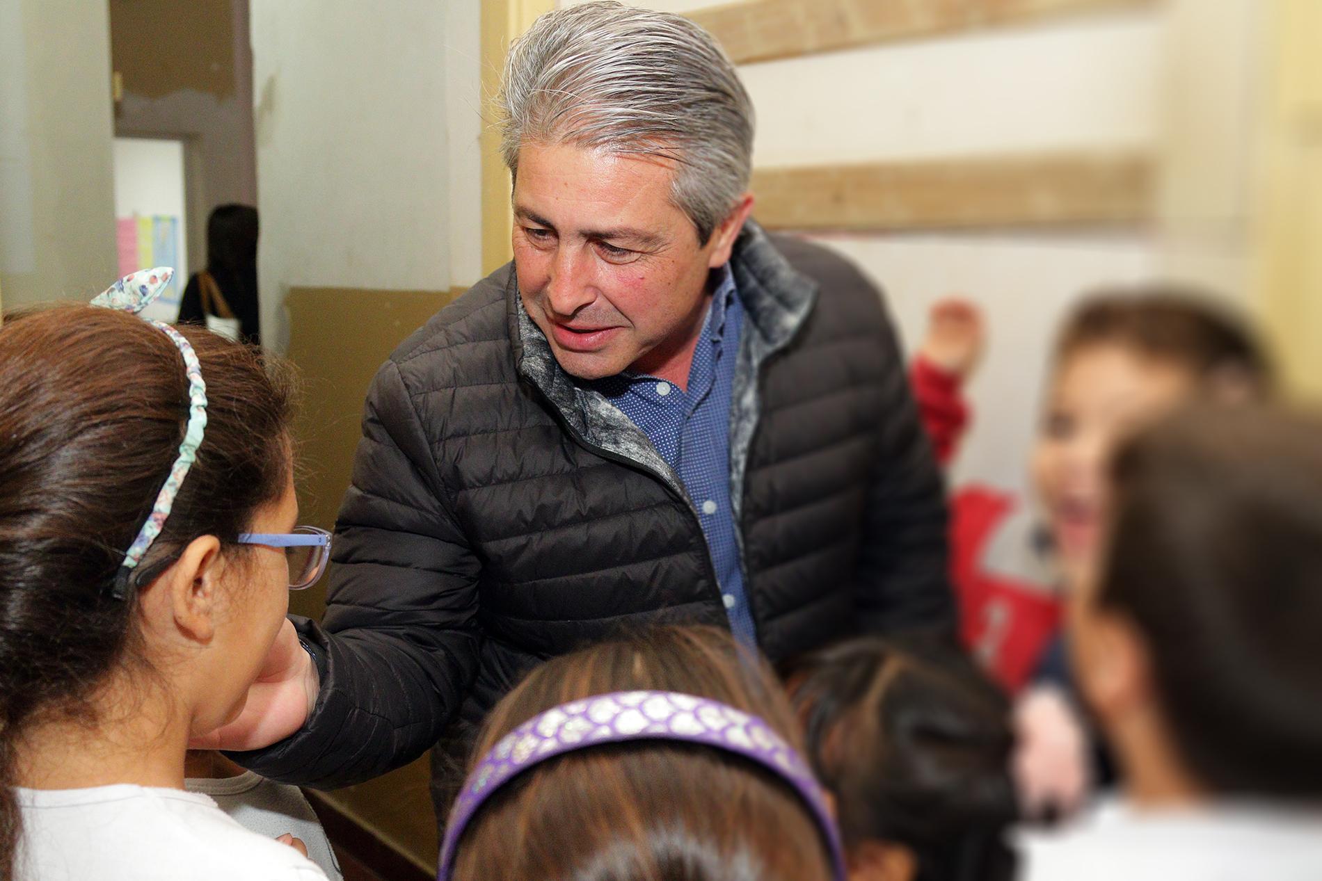 Martínez recorrió escuelas de Pergamino