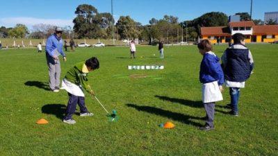 Monte Hermoso ofrece clases gratuitas de Golf a chicos de 8 a 16 años