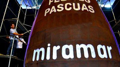 Miramar elabora un huevo de chocolate de 4.100 kilos y le quitará el Récord Guinness a Italia
