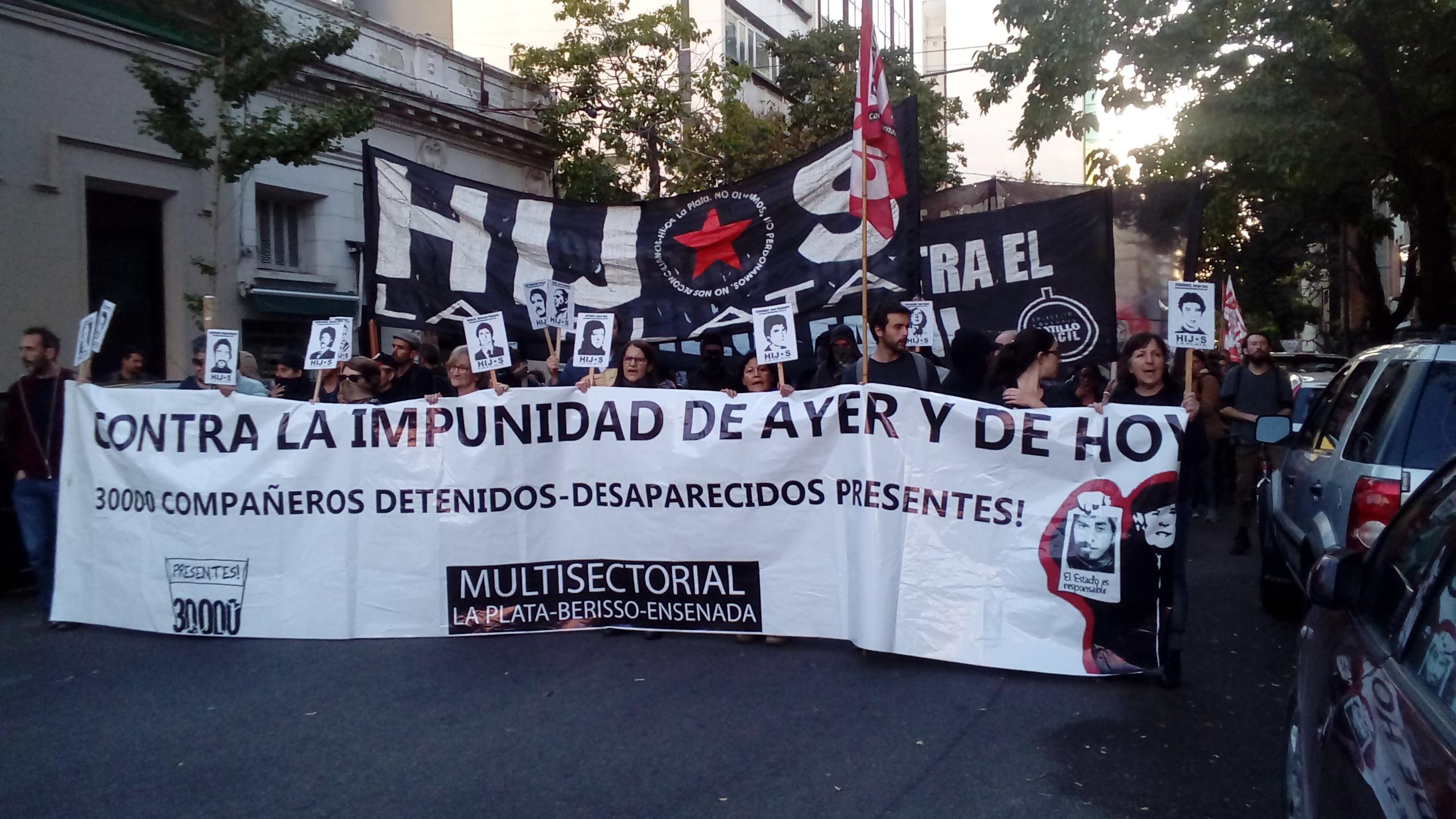 Escracharon en La Plata al genocida Leopoldo Baume