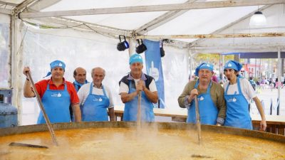 """Bolívar / Más de 13 mil porciones se sirvieron en un """"Locro patrio"""" gigante"""