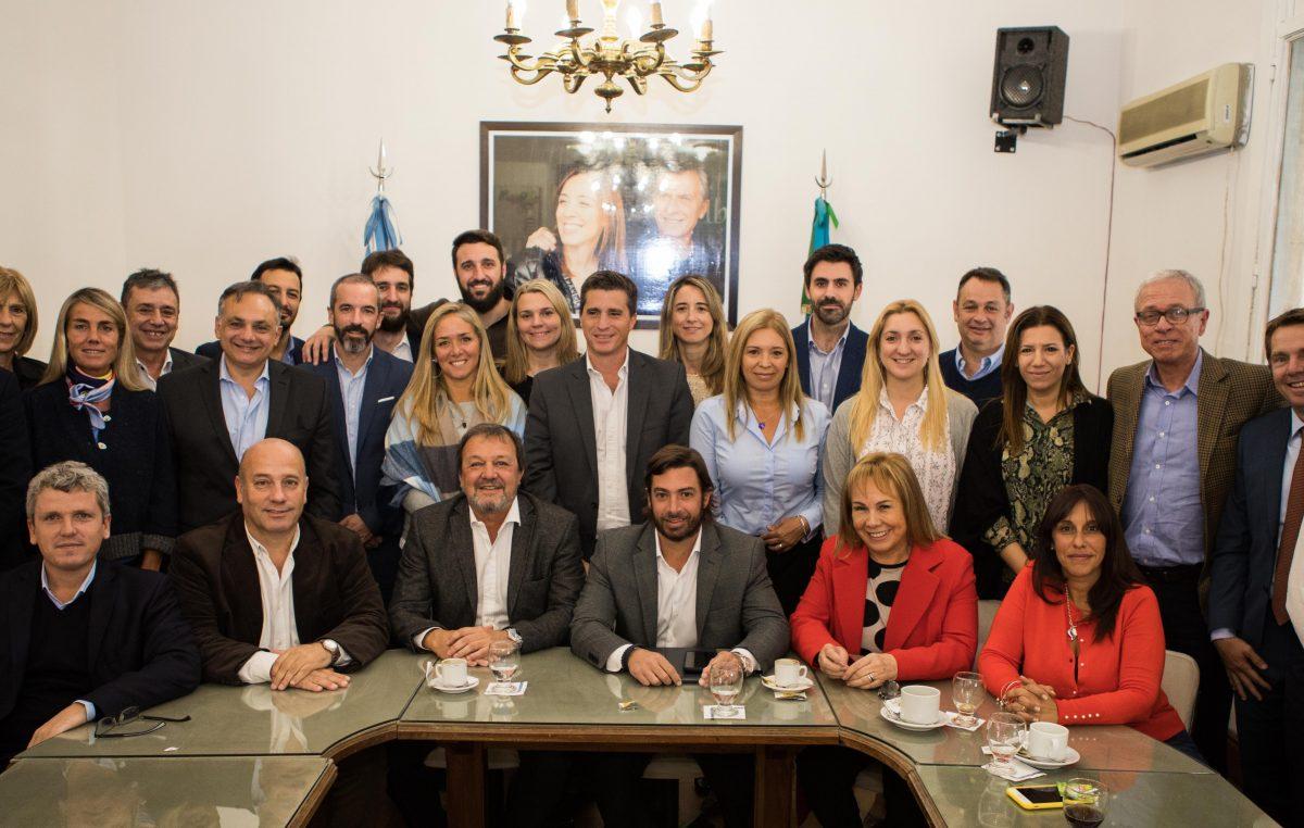 """Salvai llevó una bolsa """"llena de expectativas"""" a una reunión con senadores de Cambiemos"""