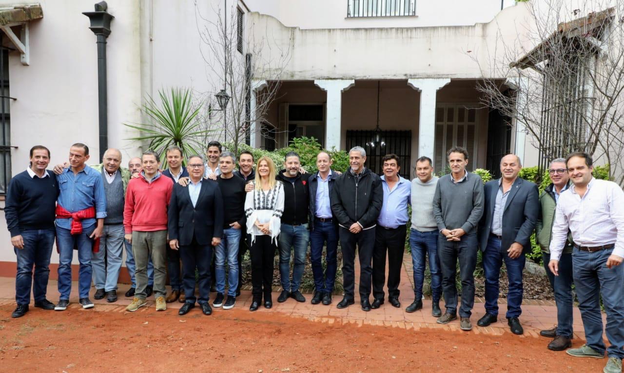 """Intendentes Peronistas de la primera y tercera sección volvieron a mostrar """"Unidad"""" en Merlo"""