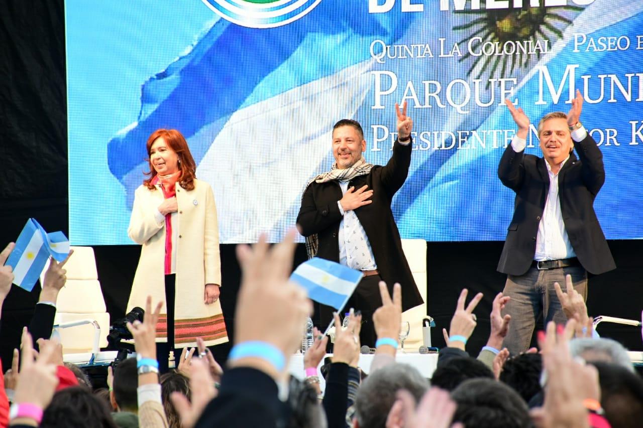 """CFK: """"A los 4 millones y medios de pobres que dejó Macri le vamos a tender una mano"""""""