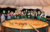 Bolívar celebra el Día de la Patria con un locro gigante de 13 mil porciones
