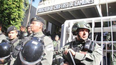 Allanamiento en Camioneros: La CGT se solidarizó con Moyano y el Frente Sindical decretó el Estado de Alerta y Movilización