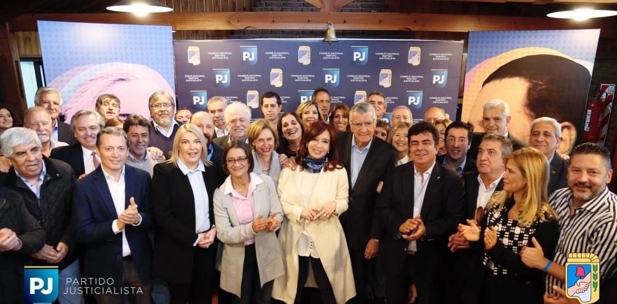 Baño de humildad: Cristina Kirchner en la cumbre del PJ dijo que está dispuesta a ocupar el lugar que le toque