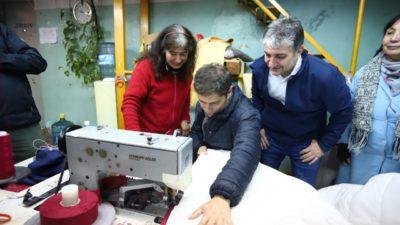 """Kicillof en tierra macrista visitó una Pyme: """"Vamos a poner a trabajar todas las máquinas que están paradas"""""""