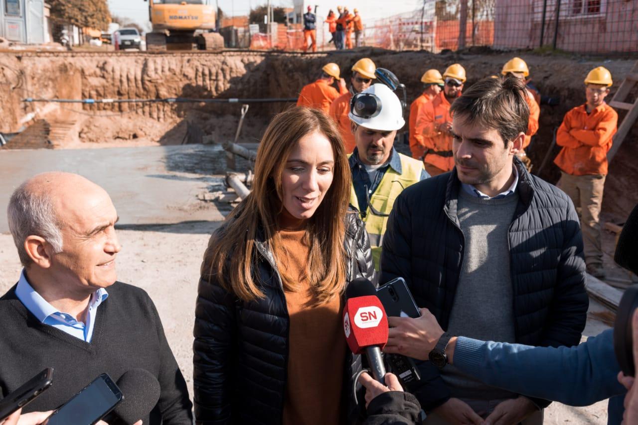 """Vidal y Passaglia recorrieron una obra hidráulica en San Nicolás: """"20 mil vecinos dejarán de inundarse"""""""