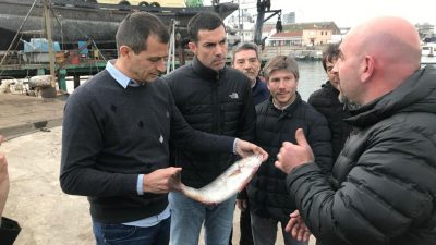 Bucca y Urtubey recorrieron el puerto y dialogaron con pesqueros en Mar del Plata