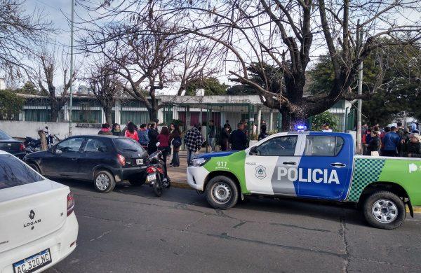 Aberración en un jardín de infantes de La Plata: denuncian al portero de abusar de nenes de 3, 4 y 5 años