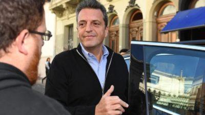 "Massa: ""En provincia esconden a Macri porque sienten vergüenza"""