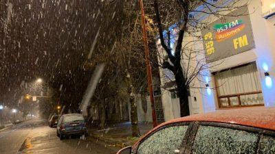 Tres Arroyos inauguró la primera nevada en Provincia y otras localidades se ilusionan