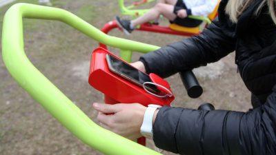 Tendencia: Hacer deportes y recargar baterías del celular