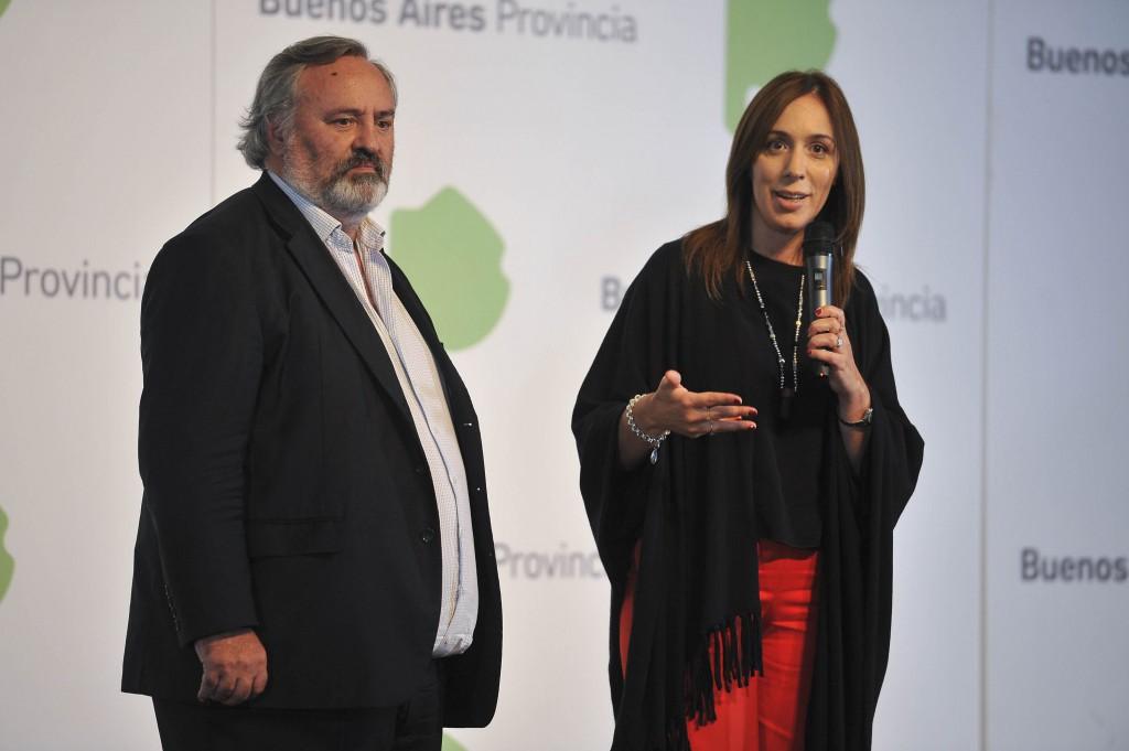 """San Miguel: Denuncian a ministro de Vidal de """"apretar a comerciantes"""" para que pongan carteles de """"Juntos por el Cambio"""""""