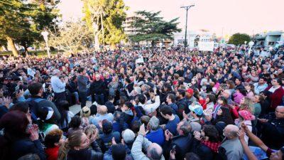 Kicillof llenó la plaza de Chacabuco y genera esperanza en los sectores productivos bonaerenses
