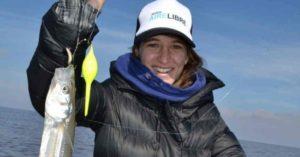 """La pesca, la otra pasión de la """"Peque"""" Pareto: la campeona olímpica sacó un peje de un kilo"""