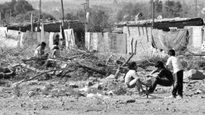 Crisis profunda: 1 de cada 3 niños sufre del acceso al agua potable en el conurbano bonaerense
