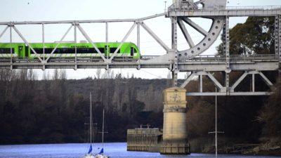 Reparan el histórico Puente Ferrocarretero que une Patagones con Viedma