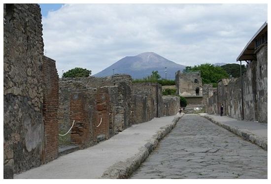 Los atractivos de viajar al sur de Italia: Nápoles, Pompeya y el Vesubio
