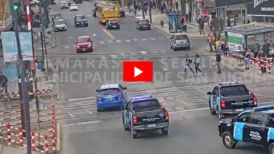 San Miguel / Una persecución de película terminó con un choque contra un semáforo