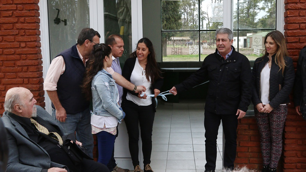 Pergamino / El intendente Martínez inauguró una nueva sala del Centro de Equinoterapia Municipal