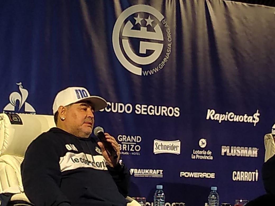 """Maradona: """"Si dejamos a Gimnasia en primera espero que el presidente me renueve"""""""