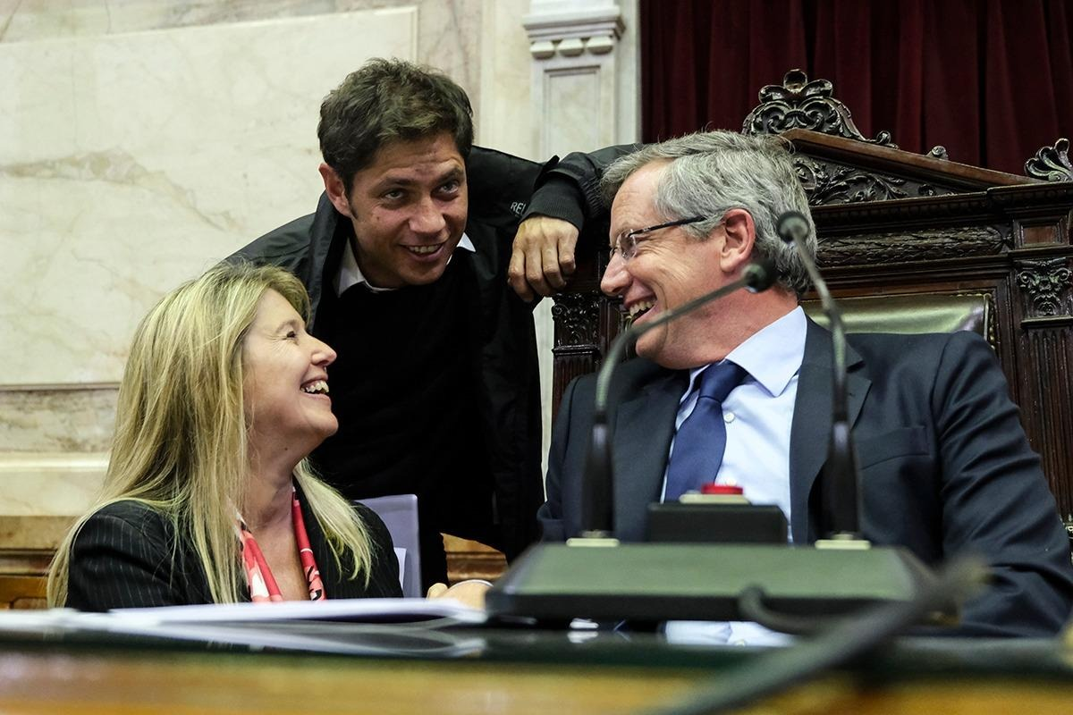 Emilio Monzó, Cristina Alvarez Rodríguez y Axel Kicillof ante de la aprobación de la Emergencia Alimentaria