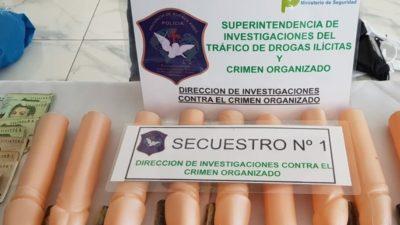 Cayó la banda del consolador: narcos repartían droga escondida en penes de plástico