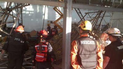 Se derrumbó una obra en el Aeropuerto de Ezeiza: hay un obrero muerto y varios atrapados