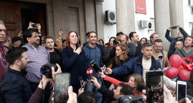 """A lo Kicillof, Vidal dio el punta pie a su campaña en la plaza principal de Morón festejando su """"cumple 46"""""""