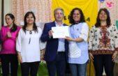 Martínez entregra tablets, notebooks, proyectores y pantallas a jardines de Pergamino