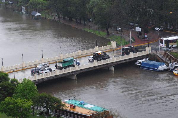 Preocupación y alerta por crecida del Río de La Plata en Tigre