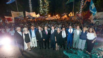 Ensenada / Secco asumió su quinto mandato con una plaza Belgrano colmada de vecinos