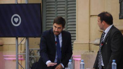 Mercedes / Con la presencia de Wado De Pedro, Juan Ustarroz asumió su segundo mandato como intendente