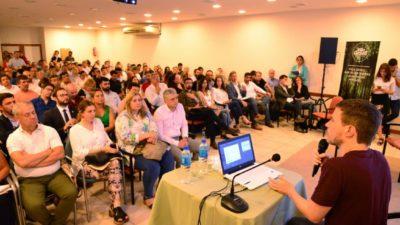 Augusto Costa reunió en Villa Gesell a funcionarios de 70 municipios para impulsar el Turismo y la Cultura en la provincia